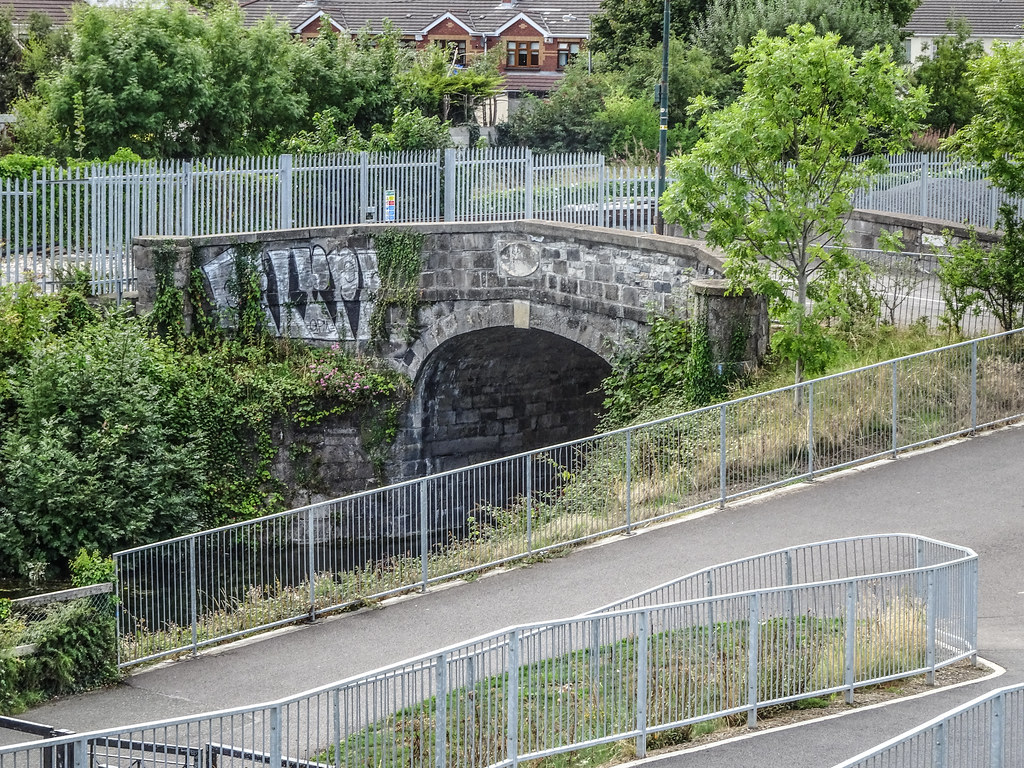 REILLY'S BRIDGE WAS REPLACED BY THE RATOATH ROAD OVERBRIDGE [IT IS A PITY THAT THEY DID NOT COME UP WITH A NAME FOR THE NEW BRIDGE]-143885
