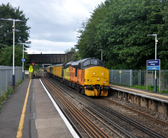Help with the location (James Passant) Tags: trains trainspotting class 37 tractor 37421 37612 colas rail freight 1q53 eastleigh arlington southampton airport parkway train station network test diesel locomotive