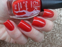 Elke - Plugado (Barbara Nichols (Babi)) Tags: elke plugado vermelho red rednailpolish rednails esmaltevermelho