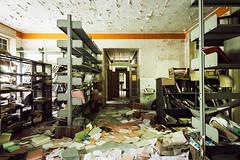Che cosa siamo (Seb Lo Turco) Tags: abbandono abandonedpsychiatrichospital abandonedplaces decay urbex postiabbandonati archivio archive