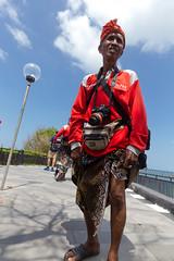 A canon photographer for tourists (clement.ponson) Tags: portrait life people canon photographer street bali tanah lot temple trip travel canon6d
