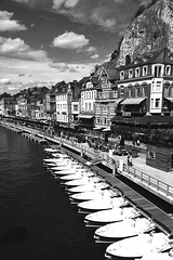 White Boats in a Row in B&W / Dinant (jo.misere) Tags: bw zw dinant namen namur maas water rots rock
