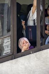 En un día de celebración. (turrionorte92) Tags: mujer woman islam celebración fiesta estambul eyup eyüp mezquita