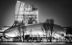 La cité du vin (Olivier Soubeiran) Tags: architecture bordeaux citéduvin nuit nb noiretblanc bâtiment musée vin