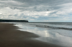 2018-06-17 Whitby-1430072.jpg (Hands in Focus) Tags: whitby northyorkshire lumixfz1000 ocean coast sea