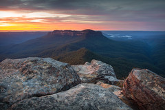The View Of Mount Solitary || BLUE MOUNTAINS || AUSTRALIA (rhyspope) Tags: australia aussie nsw new south wales blue mountains mount mt solitary jamison valley katoomba rhys pope rhyspope canon 5d mkii sunrise sunset color colour view vista amazing travel wow sky clouds golden warm light rocks
