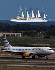 World¨s largest sailing yacht in the world & vueling (vic_206) Tags: bcn leb sailingyacht ship barco cruise mar sea vueling avión aircraft airplane airbusa320 crucero windsurfyacht windstarcruises velero spotting