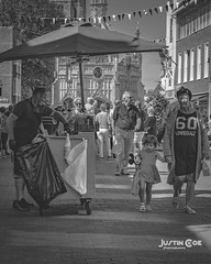 Hot dog man Chichester town. #streetphotography #street #blackandwhitephotography #blackandwhite #lumixg9 #lumix #mftshooters #justin.photo.coe #people #chichester #shopping (justin.photo.coe) Tags: ifttt instagram hot dog man chichester town streetphotography street blackandwhitephotography blackandwhite lumixg9 lumix mftshooters justinphotocoe people shopping