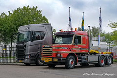 _DSF3117 (Peter Winterswijk) Tags: scania torpedo t112 t113 t142 t143 truckrun alltypesoftransport bullnose camion carshow classiccar carrosserie collection europe event europoort fujifilm holland haulage historical hgv hobby international industry keepontrucking lkw lesroutiers meeting netherlands oldtimer old oldtimermeeting ontour peterwinterswijk port roadtransport rotterdam retro szm sattelzugmaschine scaniatorpedo transport trucking truck trucks truckshow tractor tracteur torpedotoertocht vehicle vintage v8 xh1 youngtimer landtong rozenburg hoogvliet scaniahoogvliet