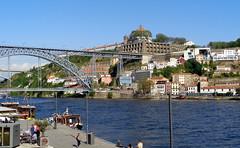 City view of Porto. Portugal. (Rubem Jr) Tags: porto city cityview cityscape paisagem building bridges ponte predios