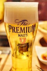 Perfect ratio (HAMACHI!) Tags: tokyo shinjuku 2018 japan food foodie foodmacro beef koreanbbq grilledbeef beer draftbeer