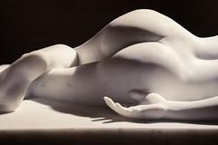 DSC_0523 (Under_two_degrees) Tags: museo museum museoeuropeodeartemoderno europeanmuseumofmodernart barcelona mármol marble sculpture escultura shadow sombra nikon