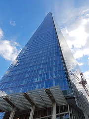 20180817_171132 london 1 (andy michael2012) Tags: london buildings uk city squaremile londoneye londoner londonpop londontown londoncity londonbridge londonlife londonist londonart westminster abbey st pauls cathedral houses parliament pancras renaissance hotel national theatre drapers hall battersea power station the gherkin shard one canada square heron tower leadenhall street cheesegrater officecity crystal palace hsbc scalpel 30 mary axe swiss re building bt bishopsgate