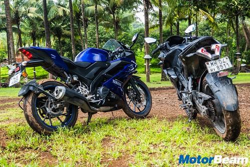 Yamaha-R15-V3-vs- Bajaj-Pulsar-RS-200-10