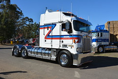 SNR (quarterdeck888) Tags: trucks photos truckphotos australiantrucks outbacktrucks workingtrucks primemover class8 overtheroad interstate frosty quarterdeck jerilderietrucks jerilderietruckphotos flickr bdoubles lorry bigrig highwaytrucks interstatetrucks nikon truck kenworth kenworthclassic kk kenworthclassic2018 truckshow truckdisplay workingclasstrucks noprizes bigcab k104 snr