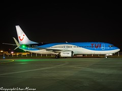 TUIfly D-ATYA HAJ at Night (U. Heinze) Tags: aircraft airlines airways airplane planespotting plane flugzeug haj hannoverlangenhagenairporthaj eddv night olympus 1240mm