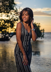 Melany Arriola (01_0034) (ronnie.savoie) Tags: africanamerican black noir negra woman mujer chica muchacha girl pretty guapa lovely hermosa browneyes ojosnegros brownskin pielcanela portrait retrato model modelo modèle smile sonrisa sandybay roatan roatán honduras hondureña catracha bayislands islasdelabahía diaspora africandiaspora