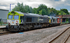 ROG 37611 and Captrain 6601 (66999) (dgh2222) Tags: class 37 37611 66 66999 selby station diesel locomotives uk railways