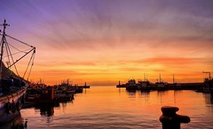 Kalkbay Sunrise (naturesarte) Tags: dawn sunrise harbour sky skyline boat water pier sea sunset dusk lighthouse