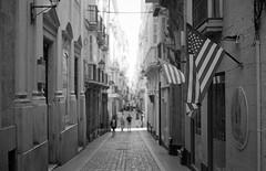 #analog #film #nikonfm2 #ilfordhp5 #blackandwhite #monochrome #streetphotography #kodakektar100 #filmisnotdead #35mm #cadiz #epsonv600 #homedeveloped (Mario84RM) Tags: kodakektar100 ilfordhp5 nikonfm2 film streetphotography analog blackandwhite homedeveloped cadiz monochrome epsonv600 filmisnotdead 35mm