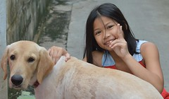 a girl and her dog (the foreign photographer - ฝรั่งถ่) Tags: girl dog child khlong thanon portraits bangkhen bangkok thailand nikon d3200