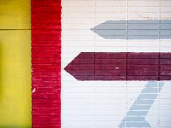 Anglų lietuvių žodynas. Žodis red-gray reiškia raudonos-pilkos spalvos lietuviškai.