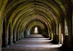 Fountains Abbey - The Great Cloisters (urfnick) Tags: ripon england unitedkingdom gb monastery yorkshire nidderdale nationaltrust unesco worldheritage ruins abbey listedbuilding