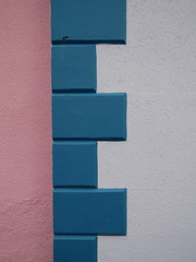 Aberaeron (Dubris) Tags: wales cymru ceredigion aberaeron town wall rustication pink blue white