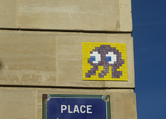 PA_719 Reactivated space invader in Paris 11th (Sokleine) Tags: spaceinvader invader tiles mosaics ceramics streetart street artderue arturbain urbanart wall mur citycentre paris france