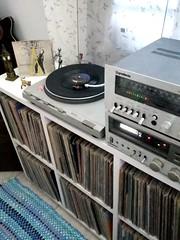 """Ritchie. Menina Veneno (1983/Single 7""""/Epic-CBS/Brazil)   """"...Mas você não está aqui E a cama tão fria, fria Pode crer, meu sangue vai ferver Por favor feche a torneira da pia E volta pra cama!  Baby, meu bem, te amo...""""  #vinylcollectionpost #vinylrecord (Edosoutros) Tags: inch audiophile studio minimaltechno vinylgram vinyligclub producer electronicmusic nice gt vinylcollectionpost deephouse funk recordjunkie soul feature nyc musiclovers soundcloud ableton instagood electronica vinyls love vinylrecords custom musiclover pop jazz design"""