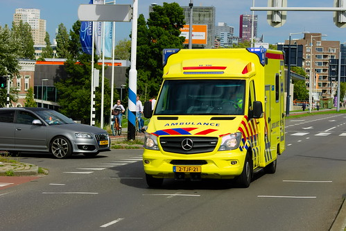69d8096b43 Dutch Ambulance underway to an hostpital in Rotterdam