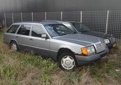 Mercedes T124 E 300 TD 30-11-1995 90-HJJ-8 (Fuego 81) Tags: mercedes w124 kombi t124 e300td 300td 1995 90hjj8 eclass wrak wreck abandonded epave schrott abwrack donor rust rusty rost roest corrosion rouille s124