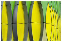 Oval (frodul) Tags: gelb grün abstrakt architektur ausenansicht detail fassade gebäude gestaltung konstruktion kurve groningen holland institut nederland netherland niederlande umcg