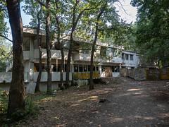 Old hotel (spline_splinson) Tags: bulgaria blacksea bulgarien kamchiya kamchiyakomplex losthotel lostplace ruin schwarzesmeer аврен warna bg
