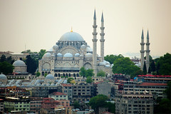 Süleymaniye Camii (osolev) Tags: mosque mosquee mezquita camii islam islamismo arquitectura architecture suleiman suleyman soliman magnifico suleymaniye istambul estambul fatih turkey turquia turquie europe europa hdr cs5 ps tele teleobjetivo photomatix alminares minaretes minarets cúpulas dome