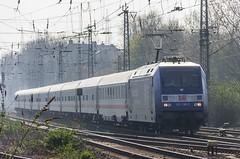 12_2007_03_26_Wanne_Eickel_Hbf_DB_101_136_Klaus_Tschira_Preis_mit_IC_Münster (ruhrpott.sprinter) Tags: ruhrpott sprinter deutschland germany allmangne nrw ruhrgebiet gelsenkirchen lokomotive locomotives eisenbahn railroad rail zug train reisezug passenger güter cargo freight fret wanneeickel wanne eickel vergessen abr abellio db nwb nordwestbahn vt 11 101 111 294 425 rb re wissenzieht klaustschirapreis logo natur outddor graffiti
