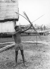 Afdrukken-Papua-012 (Stichting Papua Erfgoed) Tags: zuidpapua msc stichtingpapuaerfgoed pace nieuwguinea nederlandsnieuwguinea irianjaya papua