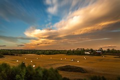 Sunset in Vestby (Einar Schioth) Tags: summer sunshine sun sunset evening sigma sigma2470 leefilters bigstopper longexpousure canon clouds cloud cloudscape grass grassland vividstriking blusky nationalgeographic ngc nature norway norge landscape photo picture outdoor einarschioth