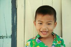 boy (the foreign photographer - ฝรั่งถ่) Tags: boy khlong thanon portraits bangkhen bangkok thailand canon toothless
