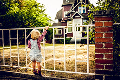 Haus Undine (tonyhoertrauschen) Tags: fujix100f travel art colour light yellow home childhood children rabbit nature look