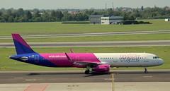 Wizzair, HA-LXJ, MSN 7316, Airbus A 321-231(SL), 09.08.2018, WAW-EPWA, Warszawa (henryk.konrad) Tags: wizzair halxj msn7316 airbus a321231sl wawepwa warszawa henrykkonrad