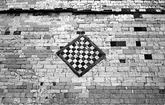Pieve di Sant'Agata, X sec. (Mattia Camellini) Tags: minox35el analog pellicola film35mm fomapan100 id11 mattiacamellini toscana italy biancoenero bw bn pievedisantagata scarperia scacchiera canoscan9000fmarkii