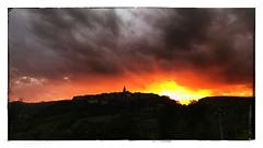 Coucher de soleil orageux (Jean-Louis DUMAS) Tags: ciel sky storm orage cloudly clouds nuage crépuscule sunset coucherdesoleil