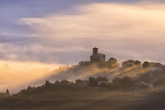 Entre nieblas (GorkaZarate) Tags: nieblas fog myst aramaio untzilla luz rallos iglesia landscape paisaje alavavision sonymage