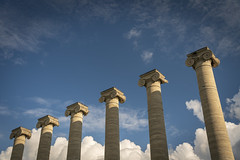 The Columns (Notley Hawkins) Tags: httpwwwnotleyhawkinscom notleyhawkinsphotography notley notleyhawkins 10thavenue mizzou columns thecolumns campus universityofmissouri columbiamissouri bocomo boonecountymissouri afternoon sky clouds cloudysky outdoors august summer 2018 architecture