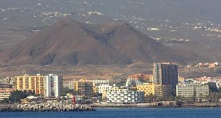 Puerto los cristianos tenerife volcano
