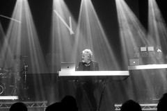 Howard Jones @ Manchester Ritz 24.11.17 (eskayfoto) Tags: panasonic lumix lx3 gig music concert live band stage tour manchester manchesterritz ritz theritz howard jones howardjones hojo monochrome mono bw blackandwhite p1640661 sooc