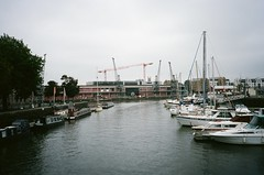 Cranes (knautia) Tags: perosbridge floatingharbour bristol england uk september 2018 film ishootfilm olympus xa2 olympusxa2 kodak ektar 100iso nxa2roll68 bridge footbridge commute commuting