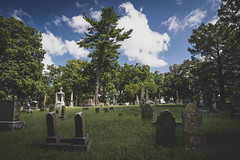 Walnut Grove Cemetery (Notley Hawkins) Tags: walnutgrovecemetery cemetery httpwwwnotleyhawkinscom notleyhawkinsphotography notley notleyhawkins 10thavenue 2018 summer missouri september landscape land boonvillemissouri coopercountymissouri coopercounty grave graveyard tombstone stele gravestone headstone