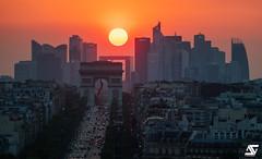 Dernières lueurs (A.G. Photographe) Tags: anto antoxiii xiii ag agphotographe paris parisien parisian france french français europe capitale d850 nikon nikkor 70200vrii arcdetriomphe ladéfense champsélysées